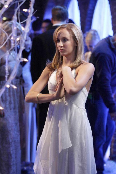 Gast des Snowflake Balls: Nastia Luikin (Nastia Luikin) ... - Bildquelle: Warner Brothers