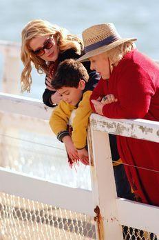 Familie auf Umwegen - Gemeinsam mit Großtante Marie (Doris Roberts, r.) und J...