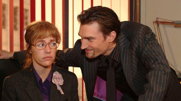 Richards (Karim Köster, r.) gespielte Zerknirschtheit geht auf: Lisa (Alexand...