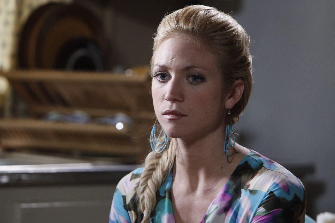 Macht sich Sorgen um Chunhua: Jenna (Brittany Snow) ... - Bildquelle: Warner Bros. Television