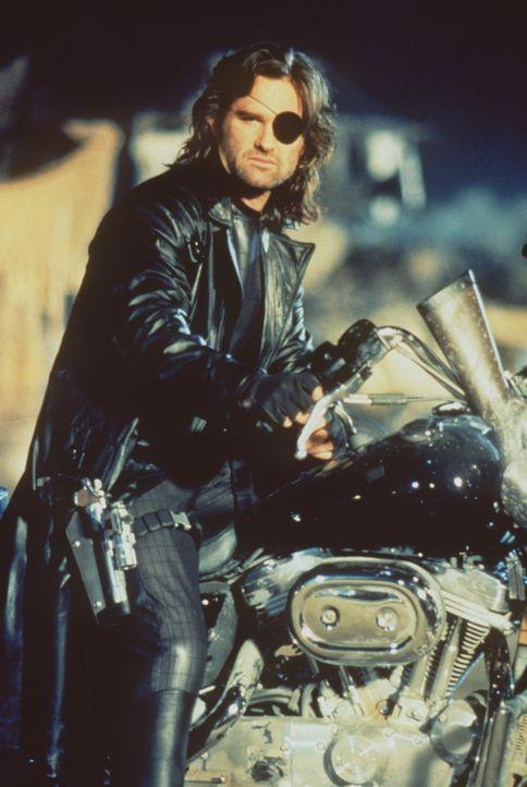 Ex-Elitekämpfer Snake Plissken (Kurt Russell) erhält den Auftrag, Utopia, die Tochter des Staatschefs Cuervo Jones zu beseitigen ... - Bildquelle: Paramount Pictures