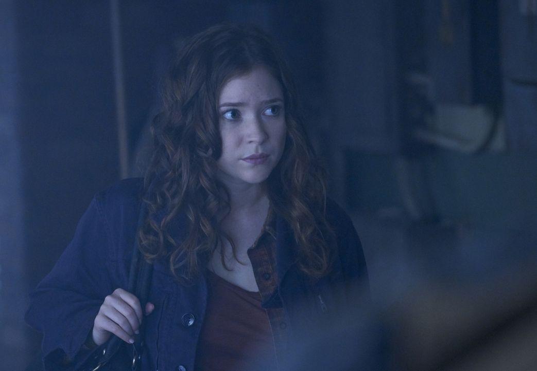 Als Tochter eines Werwolfes und als Mitglied der Antonov-Familie hat es Katia (Sofia Banzhaf) nicht einfach ... - Bildquelle: 2016 She-Wolf Season 3 Productions Inc.