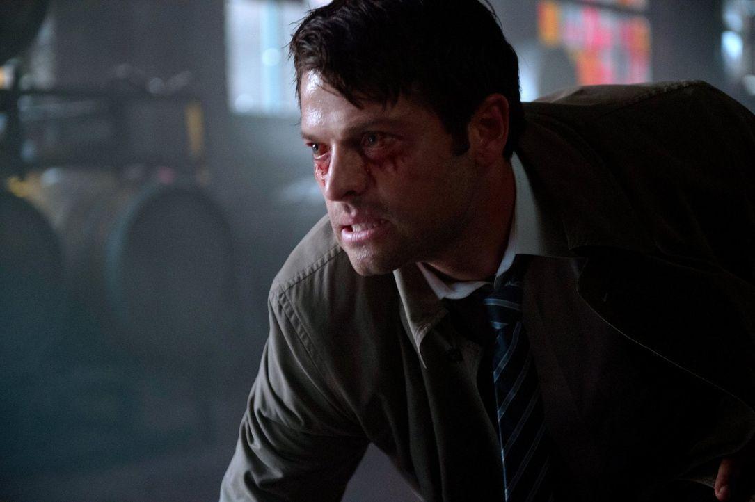 Castiel (Misha Collins) bekommt die ersten Auswirkungen von Rowenas Fluch zu spüren, der ihn immer mehr zu einer Bestie werden lässt ... - Bildquelle: 2014 Warner Brothers