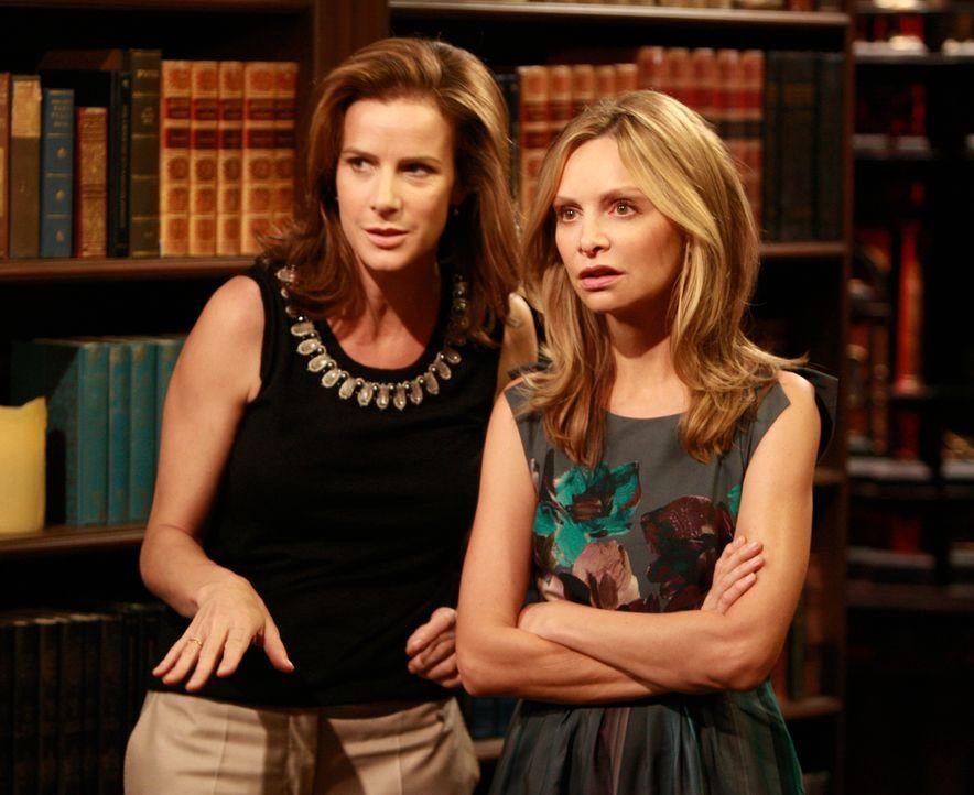 Kitty (Calista Flockhart, r.) glaubt ihren Augen kaum: Nora bringt George mit auf die Hochzeitstagsfeier, ohne es Sarah (Rachel Griffiths, l.) und d... - Bildquelle: 2008 ABC INC.
