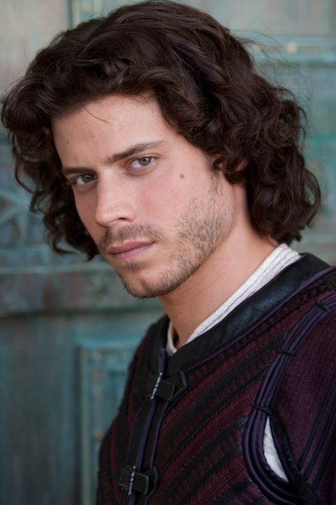 Cesare Borgia (Francois Arnaud) beginnt ein Doppelleben zu führen ... - Bildquelle: Jonathan Hession LB Television Productions Limited/Borgias Productions Inc./Borg Films kft/ An Ireland/Canada/Hungary Co-Production. All Rights Reserved.