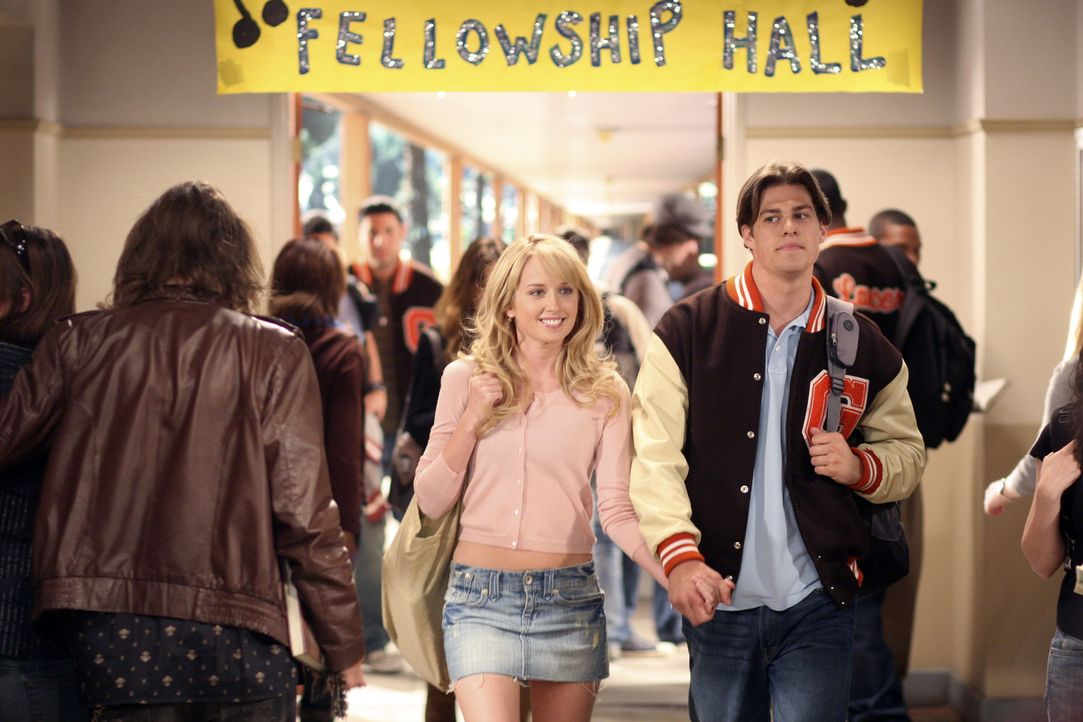 Die Cheerleaderin Grace (Megan Park, l.) und der Footballspieler Jack (Greg Finley, r.) sind das perfekte Paar - wäre da nicht Graces Gelöbnis keine... - Bildquelle: ABC Family