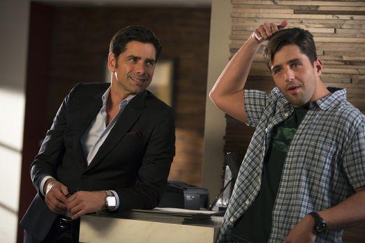 Grandfathered - Als Jimmy (John Stamos, l.) feststellt, dass sich Gerald (Jos...