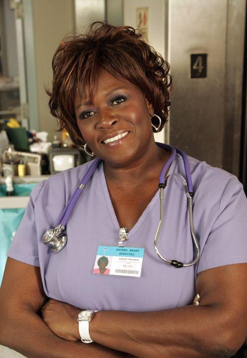 Anstatt den richtigen Namen, merkt sich J.D. nur die Spitznamen seiner Kollegen. Shirley (Aloma Wright) ist fassungslos ... - Bildquelle: Touchstone Television
