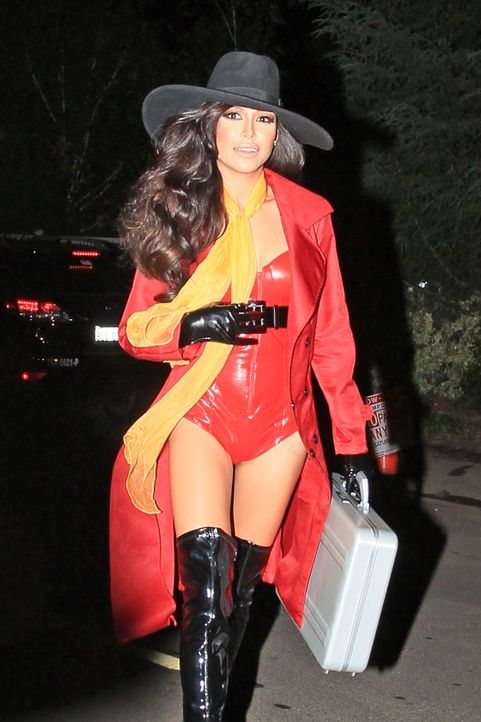 Naya-Rivera-Pre-Halloween-Fancy-Dress-Party-13-10-27-Michael-Wright-WENN - Bildquelle: Michael Wright/WENN.com