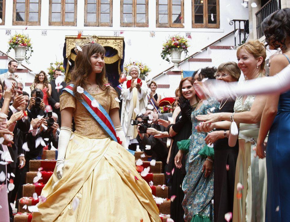 Prinzessin Rosalinda (Demi Lovato) wird von ihrem Volk verehrt und gefeiert, doch dann macht ihr ein Diktator den Thron streitig ... - Bildquelle: Disney