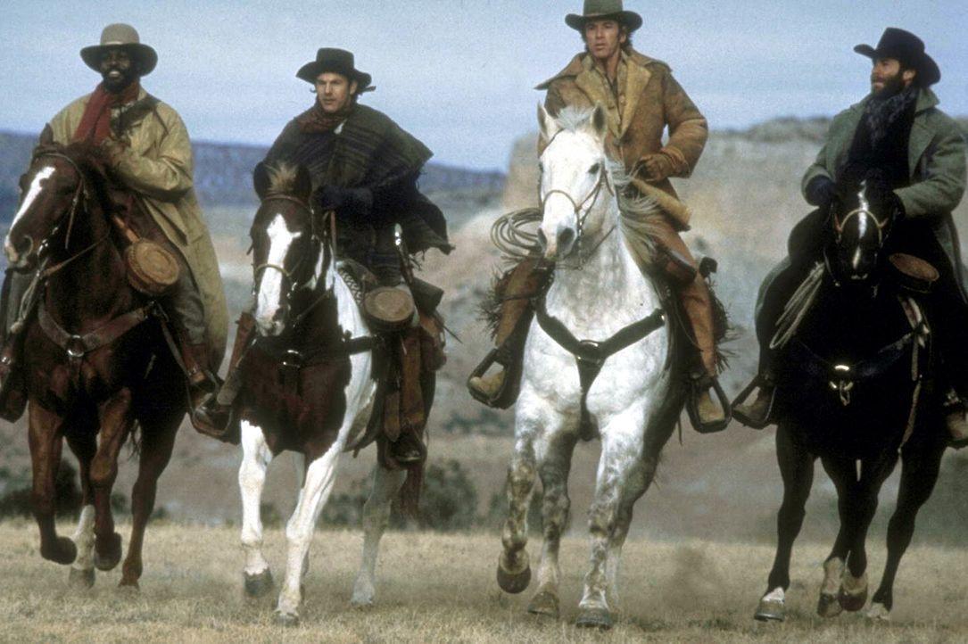 Die 'Glorreichen Vier' auf dem Weg nach Silverado: Jake (Kevin Costner, 2.v.l.), sein älterer Bruder Emmett (Scott Glenn, 2.v.r.), Lebenskünstler... - Bildquelle: Columbia Pictures