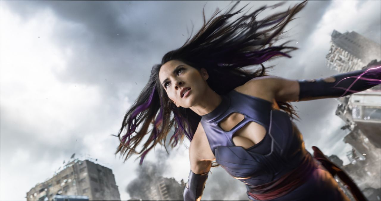 Lässt sich Psylocke (Olivia Munn) tatsächlich von dem zerstörerischen und scheinbar unbesiegbaren Mutanten Apocalypse für dessen Kampf gegen die Men... - Bildquelle: 2016 Twentieth Century Fox Film Corporation.  All rights reserved.  MARVEL TM &   2016 MARVEL & Subs.