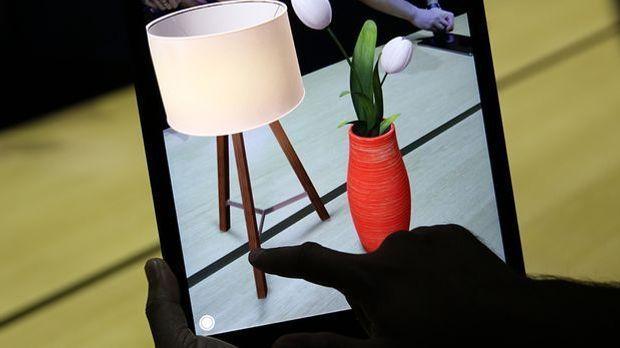 Virtual Reality Anwendung beim Möbel-Shopping