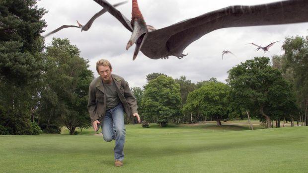 Cutter (Douglas Henshall) macht Bekanntschaft mit gefährlichen Flugsauriern,...