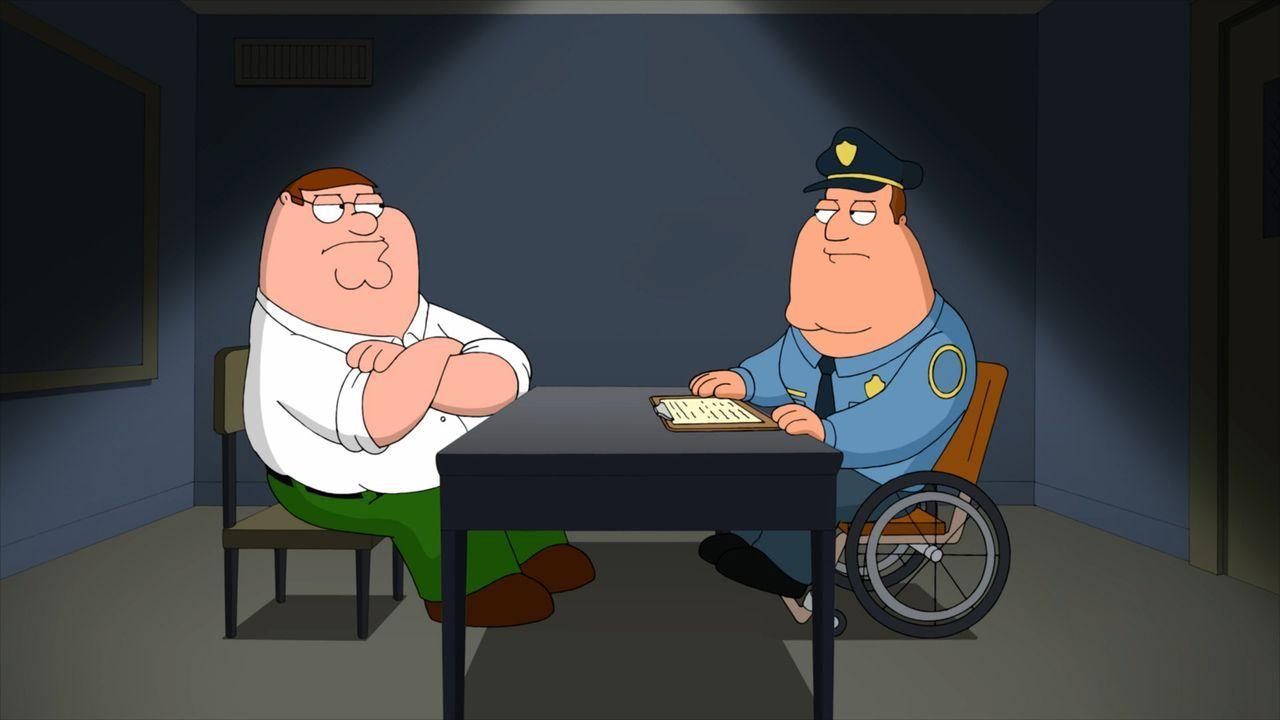 Wird Joe (r.) seinem Freund Peter (l.) eine Straftat nachweisen können? - Bildquelle: 2011 Twentieth Century Fox Film Corporation. All rights reserved.