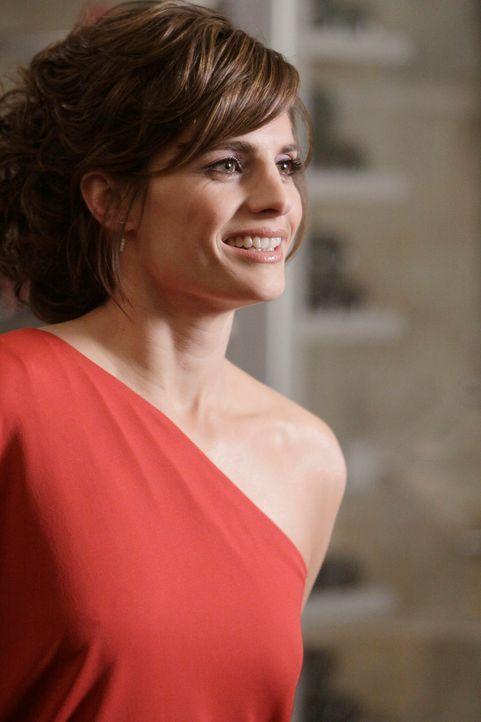 Kate Beckett (Stana Katic) hat sich für das Date mit dem Feuerwehrmann Brad Dekker in Schale geschmissen. - Bildquelle: ABC Studios