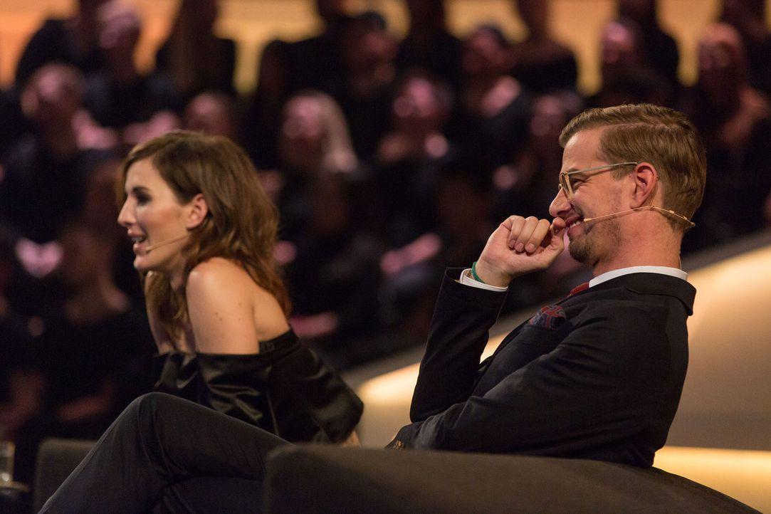 Sind gespannt, welche Show Klaas präsentiert: Jeannine Michaelsen (l.) und Joko Winterscheidt (r.) ... - Bildquelle: Guido Ohlenbostel ProSieben