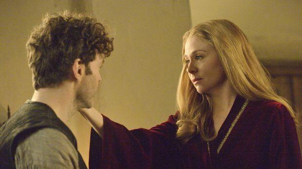 Königin Katherine (Megan Follows, r.) verabschiedet sich von ihrem Geliebten...
