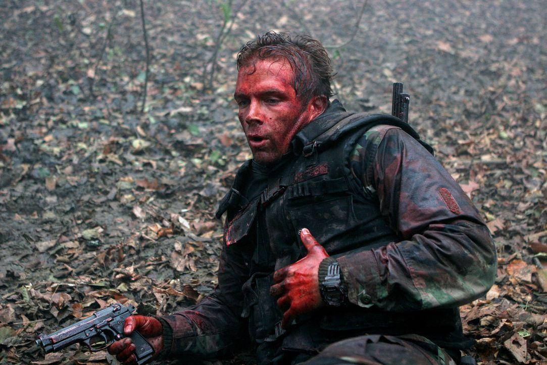 Russos (David Chokachi) Mission: Einen fanatischen arabischen Terroristen namens Fazul zu finden, der sich in Afghanistan in einem Höhlenlabyrinth v... - Bildquelle: CPT Holdings, Inc. All Rights Reserved. (Sony Pictures Television International)