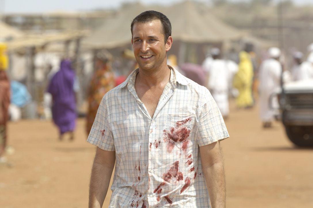 Carter (Noah Wyle) freut sich Pratt in Dafur zu sehen ... - Bildquelle: Warner Bros. Television