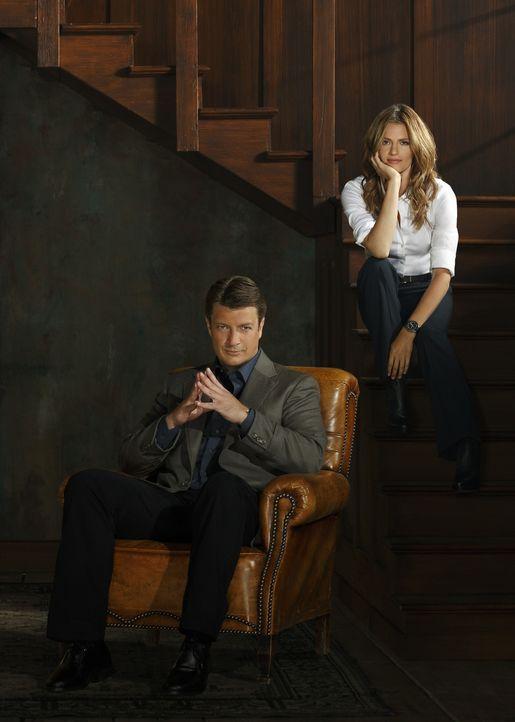 (6. Staffel) - Gegensätze ziehen sich an: Castle (Nathan Fillion, l.) und Beckett (Stana Katic, r.) entscheiden sich endlich, eine richtige Beziehun... - Bildquelle: 2013 American Broadcasting Companies, Inc. All rights reserved.