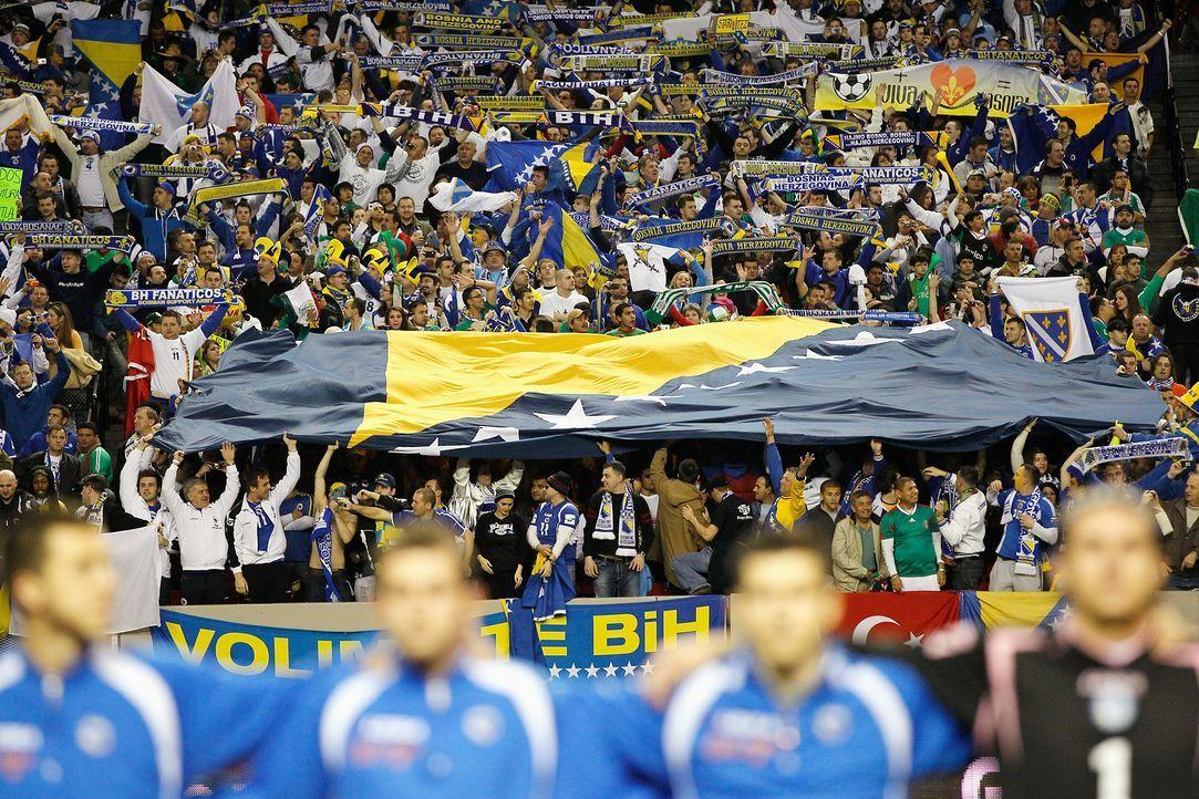 Fussball-Fans-Bosnien-Herzegowina-110210-getty-AFP - Bildquelle: getty-AFP