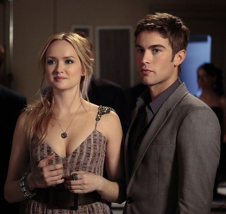 Nate (Chace Crawford, r.) ist es leid, seine Beziehung zu Diana geheim zu halten und beschließt deshalb, sie mit Charlie (Kaylee Defer, l.) eifersüc... - Bildquelle: Warner Bros. Television