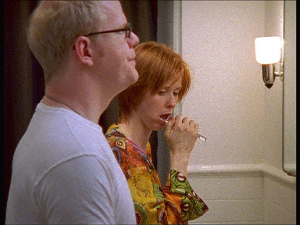 Miranda (Cynthia Nixon, r.) hat ein Verhältnis mit dem Cartoonisten Doug (Jim Gaffigan,l.), der ein lustiger und offenbar von keinen Hemmungen gepl... - Bildquelle: Paramount Pictures