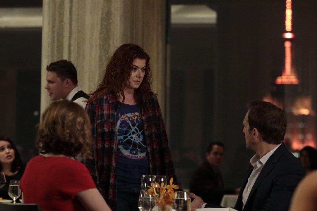 Für wen wird sich Jake (Josh Lucas, r.) entscheiden? Laura (Debra Messing, M.) oder Jennifer (Jenna Fischer, l.) ... - Bildquelle: 2016 Warner Bros. Entertainment, Inc.