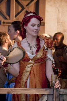 Spartacus: Blood and Sand - Will Crixus' Tod: Lucretia (Lucy Lawless) ... - B...