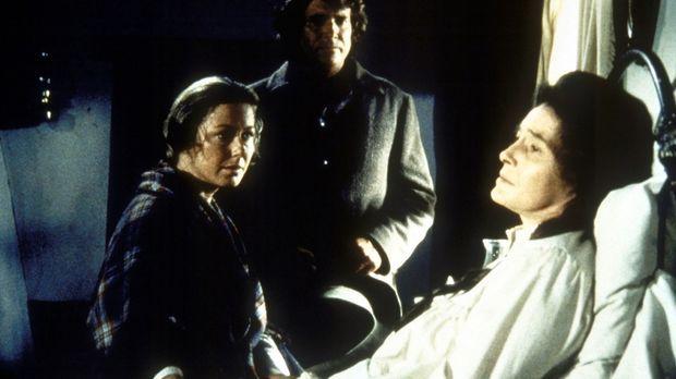 Kurz vor ihrem Tod teilt Julia (Patricia Neal, r.) Caroline (Karen Grassle, l...