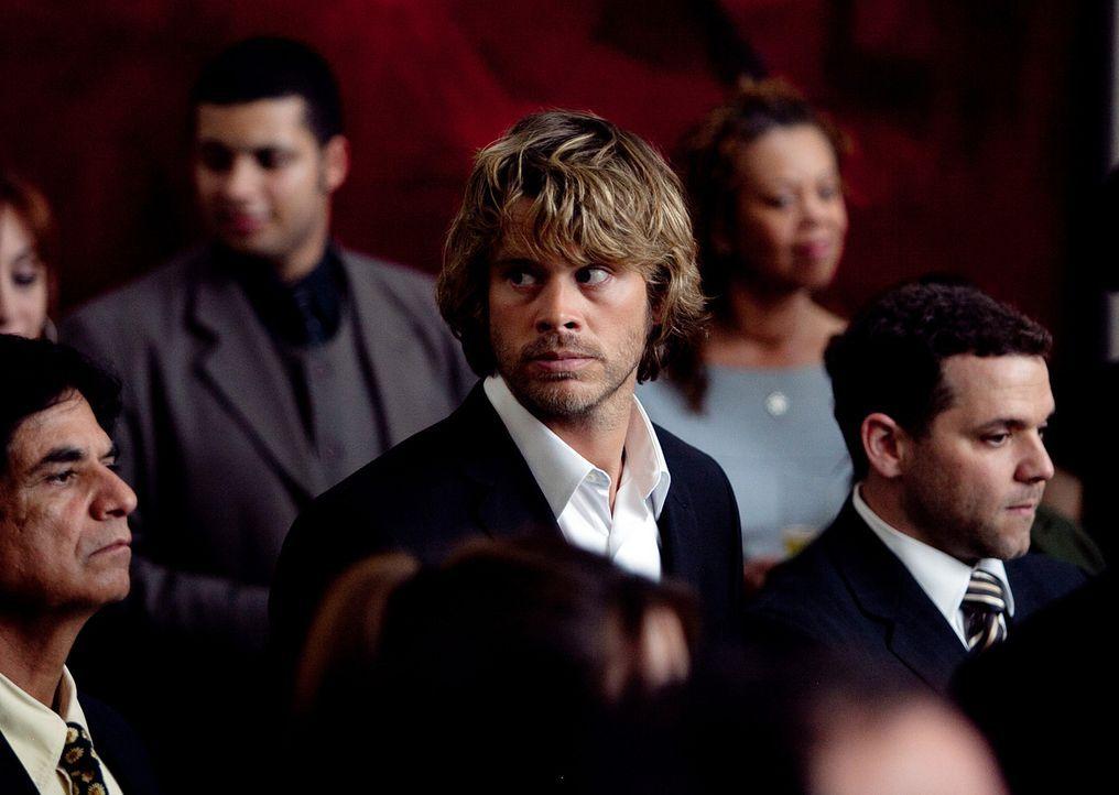 Ein neuer Fall beschäftigt Deeks (Eric Christian Olsen, M.) und seine Kollegen ... - Bildquelle: CBS Studios Inc. All Rights Reserved.