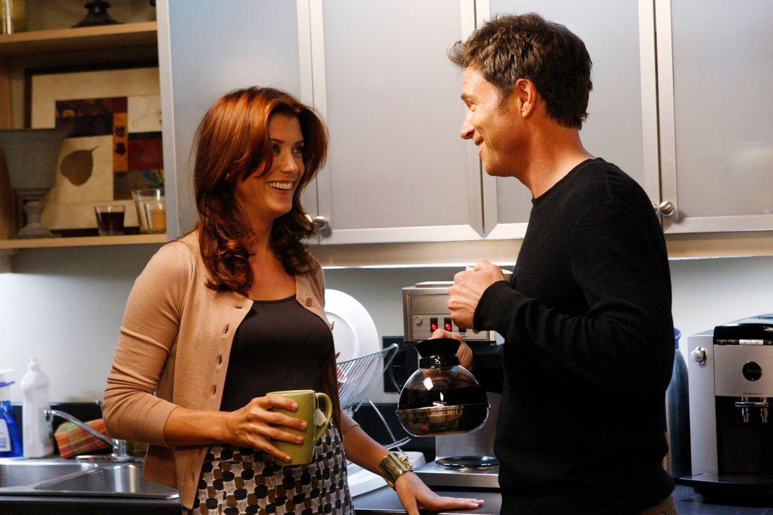 Während Pete (Tim Daly, r.) versucht, Addison (Kate Walsh, l.) um ein Date zu bitten, muss Cooper ein Geheimnis vor Violet geheim halten ... - Bildquelle: ABC Studios