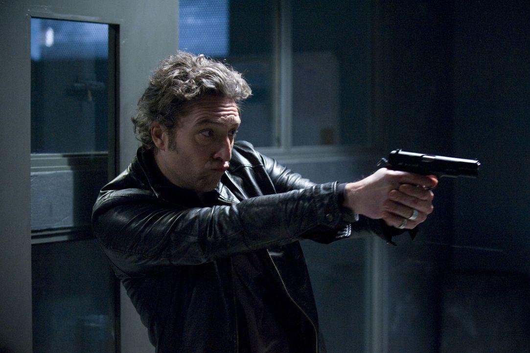Muss einen neuen Fall aufklären: Hoffman (Laurent Hennequin) ... - Bildquelle: Jaïr Sfez 2012 BEAUBOURG AUDIOVISUEL