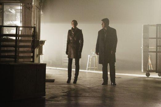 Castle - Ein neuer Mordfall wartet auf Kate Beckett (Stana Katic, l.) und Ric...