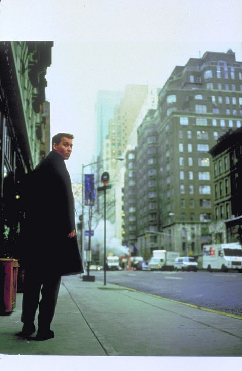Wieder auf sicherem Erdboden beschließt Spencer (Johnny Depp), die NASA zu verlassen und mit seiner Ehefrau Jillian nach New York zu ziehen. Doch s... - Bildquelle: 1999 New Line Productions, Inc. All Rights Reserved.