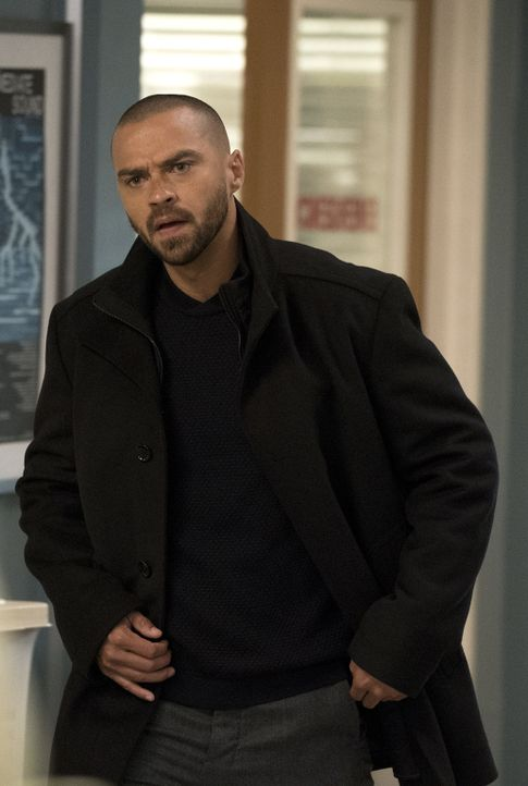 Gelingt es Jackson (Jesse Williams) tatsächlich, dass Meredith an der Verleihung des Harper Avery Awards teilnehmen kann? - Bildquelle: Mitch Haaseth 2017 American Broadcasting Companies, Inc. All rights reserved.