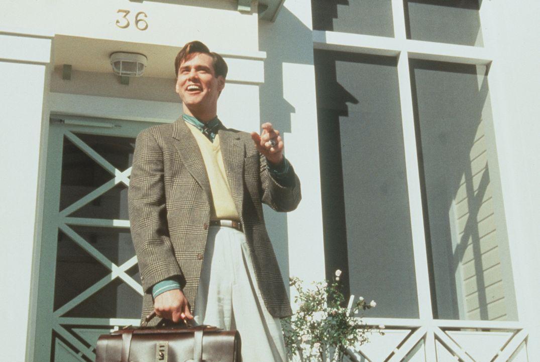Der liebenswerte und sympathische Truman (Jim Carrey) führt ein ganz normales Leben: Er geht zur Arbeit, er isst, er schläft, er hat Probleme und... - Bildquelle: Paramount Pictures