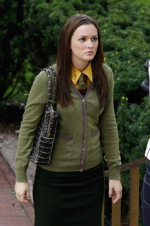 Serena lässt sich von Blair (Leighton Meester) provozieren und fährt deshalb auch nach Yale. Sie stiehlt Blair die Show beim Dekan weshalb sich Blai... - Bildquelle: Warner Brothers