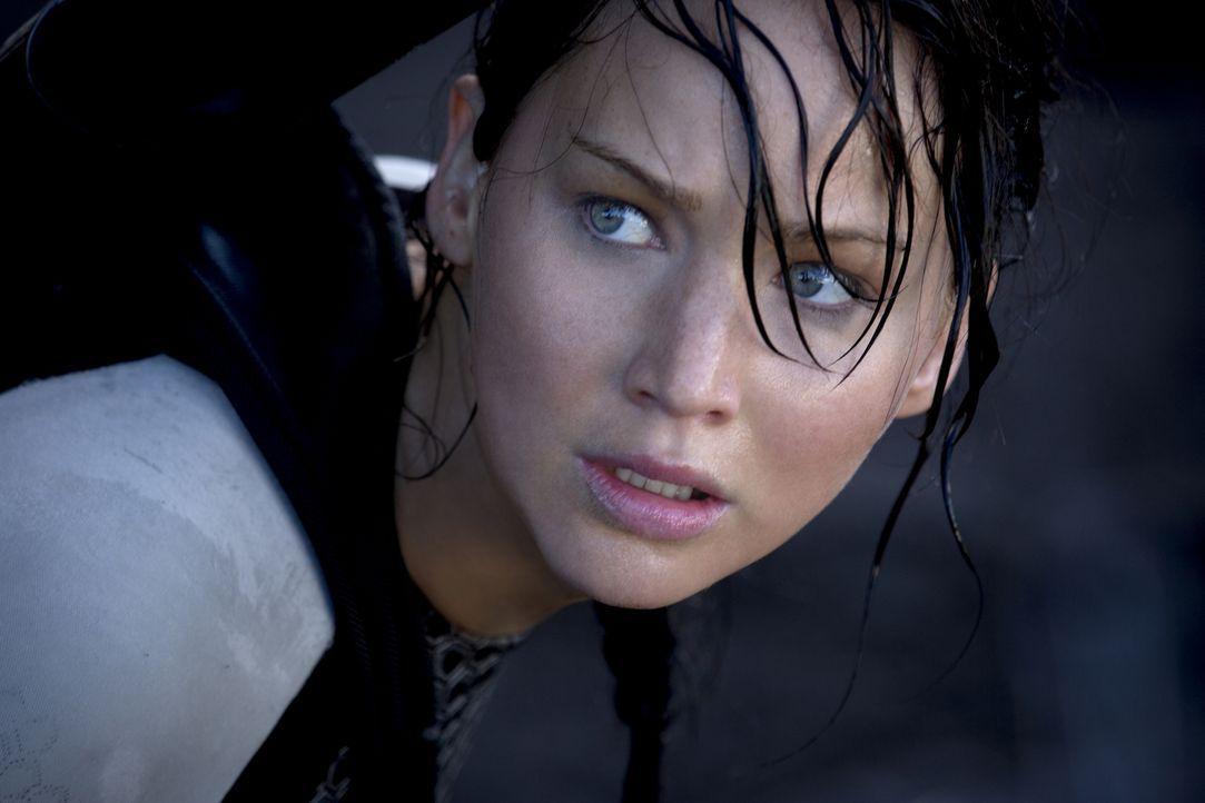 Obwohl von den letztjährigen Hungerspielen schwer traumatisiert, muss Katniss (Jennifer Lawrence) erneut in der Arena bei einem Kampf auf Leben und... - Bildquelle: Studiocanal GmbH