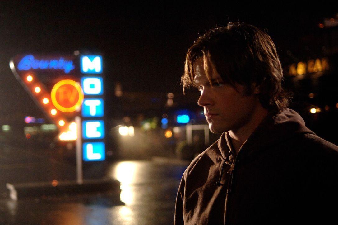 Will nicht wahrhaben, dass sein Bruder Dean tot ist: Sam (Jared Padalecki) ... - Bildquelle: Warner Bros. Television