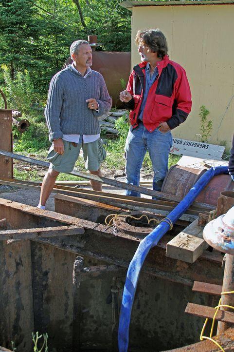 """Die Schatzsucher wollen mit einer Bohranlage Proben aus ca. 40 Metern Tiefe in der Nähe des """"Money Pit"""" entnehmen und so die Lage des ursprünglichen... - Bildquelle: 2014 A&E Television Networks, LLC. All Rights Reserved/ PROMETHEUS ENTERTAINMENT"""
