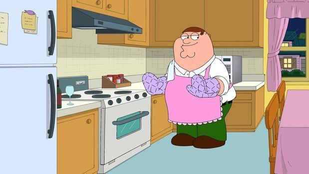 Nachdem Peter seinen Job verloren hat - muss er widerwillig als Hausmann täti...