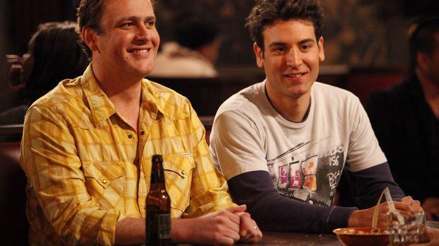Ted (Josh Radnor, r.) und Marshall (Jason Segel, l.) erfahren, dass eins ihre...