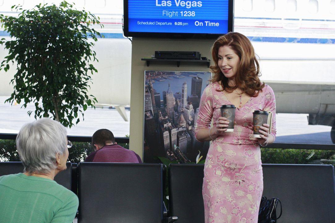 Eigentlich wollten Mike und Katherine (Dana Delany, r.) nach Las Vegas fliegen, doch dann verschwindet Mike plötzlich. Wo ist Mike? - Bildquelle: ABC Studios