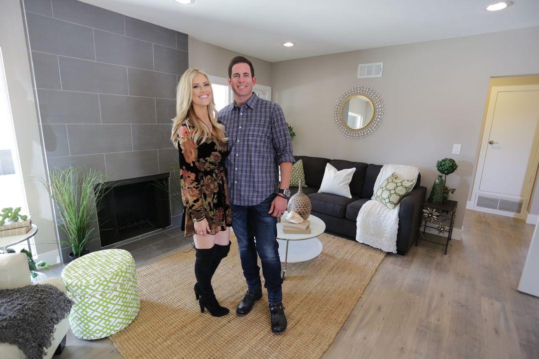 Es ist vollbracht: Das große Grundstück und das Haus in Garden Grove in Kalifornien ist kaum wiederzuerkennen. Das Makler-Ehepaar hofft nun ein eine... - Bildquelle: 2016,HGTV/Scripps Networks, LLC. All Rights Reserved