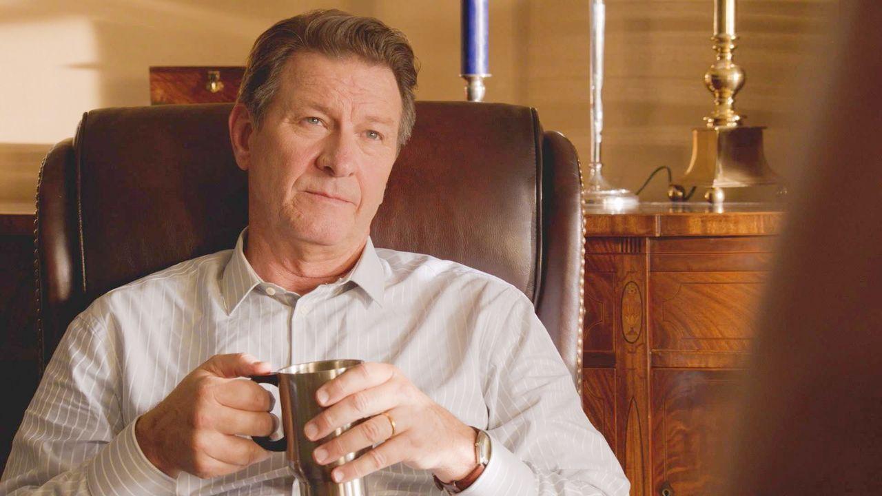 Was weiß Don (Brett Cullen) über die Kuppel und Chester's Mill? - Bildquelle: 2014 CBS Broadcasting Inc. All Rights Reserved.