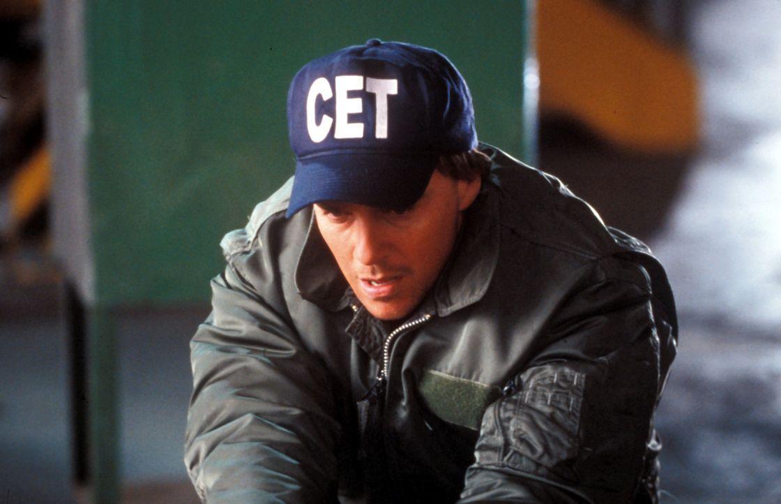 Der ehemalige Zollfahnder Alex Brooks (Sean Patrick Flanery) ist mittlerweile FBI-Agent, der oft seine eigenen Methoden hat ... - Bildquelle: Blockbuster Video