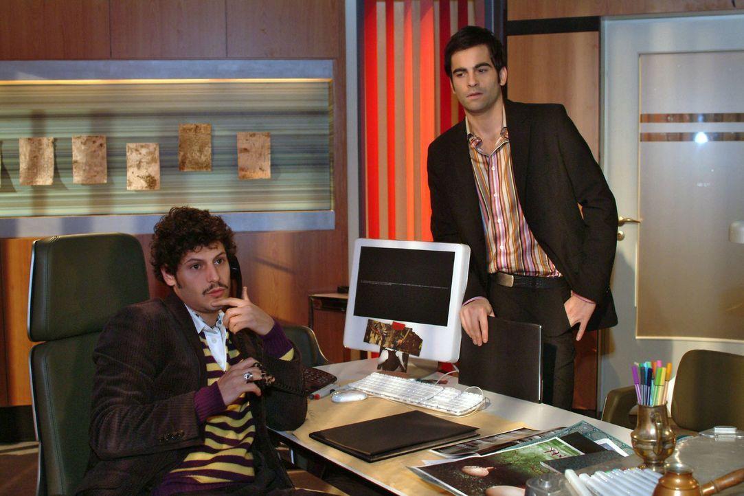 David (Mathis Künzler, r.) entgeht nicht, dass zwischen Rokko (Manuel Cortez, l.) und Lisa etwas vorgefallen sein muss. - Bildquelle: Monika Schürle Sat.1