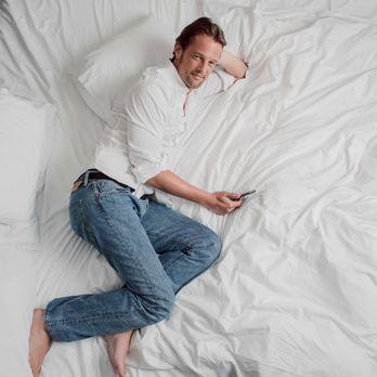 Steffen von der Beeck Bett - Bildquelle: SAT.1/Arne Weychardt